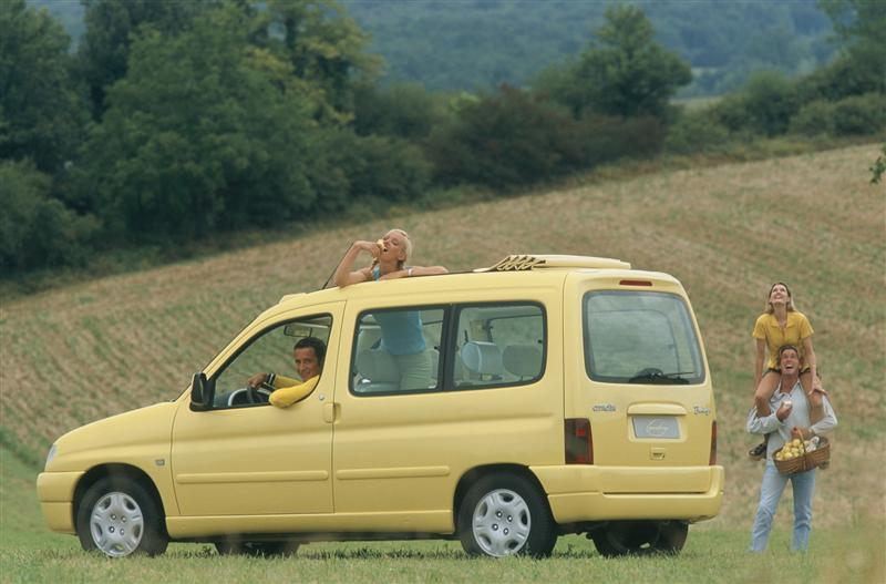 1996 Berlingo Grand Large konseptiauto ¾ takanäkymä