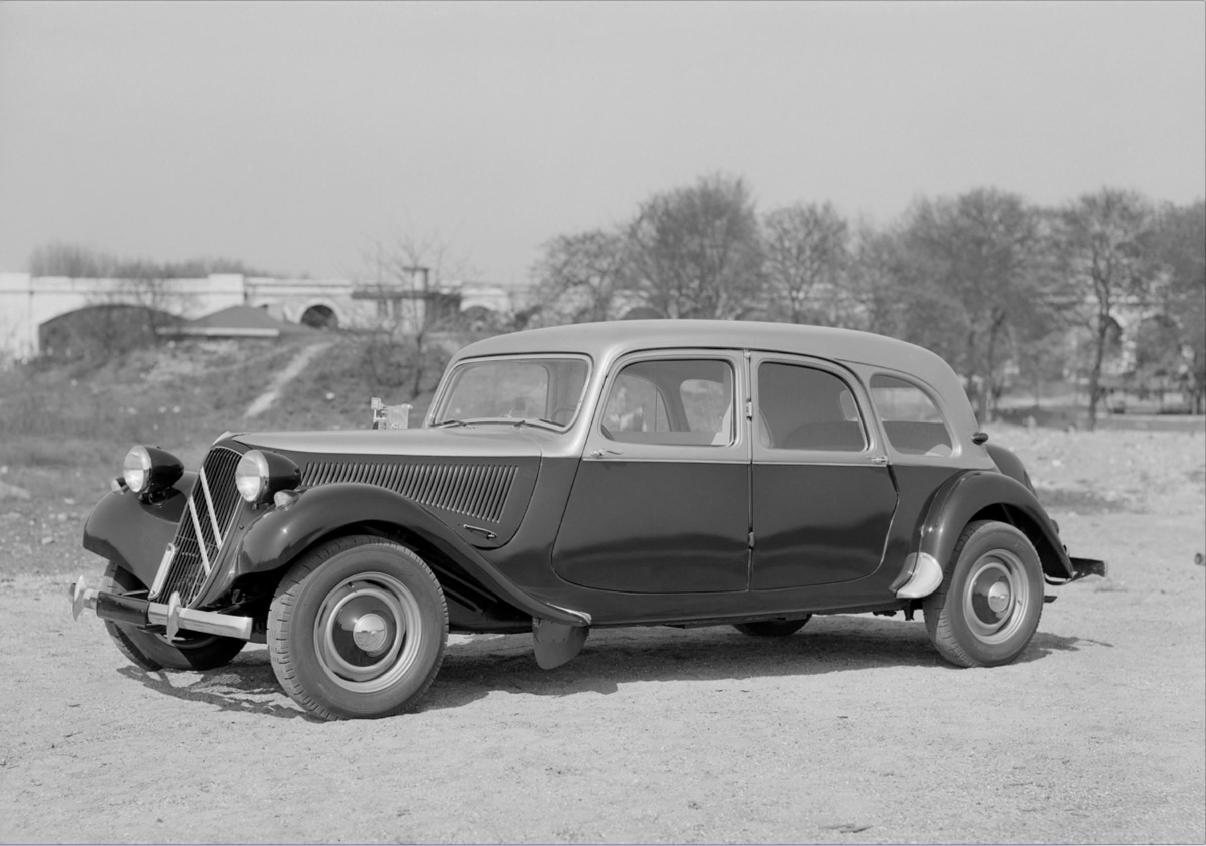 Traction 11D perheauto 1955